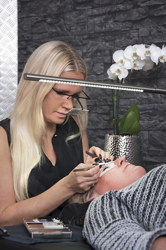 Nails and Beauty Wimpern